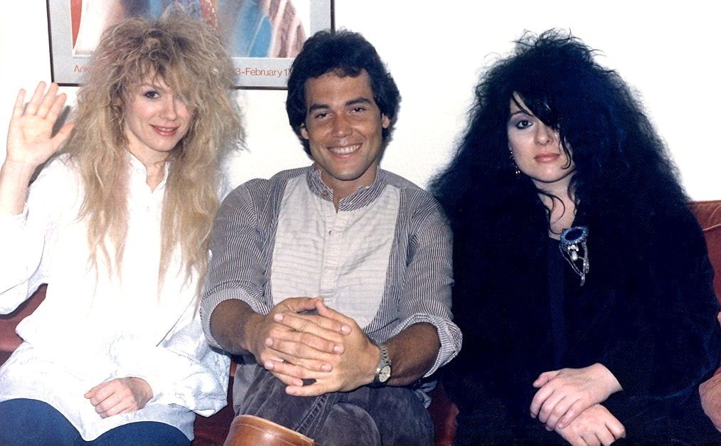 Mark Bowman with Nancy and Ann Wilson Houston August 17 1985