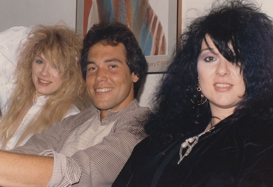 Mark Bowman with Nancy and Ann Wilson Houston August 1985 3