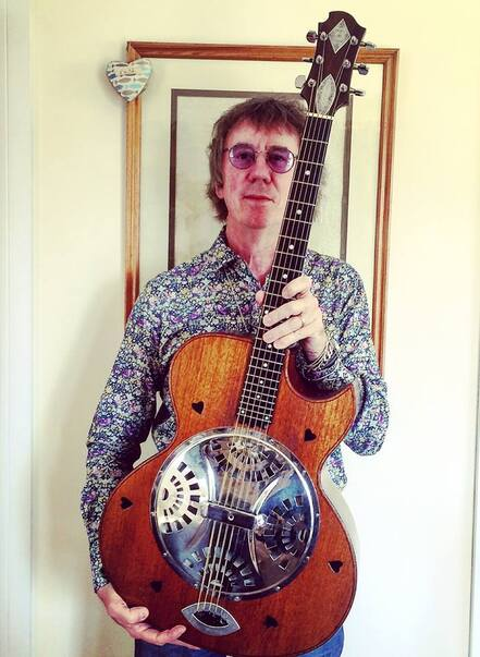 Keith Smart with Ronnie Lane Zemaitis Resonator acoustic guitar September 2018